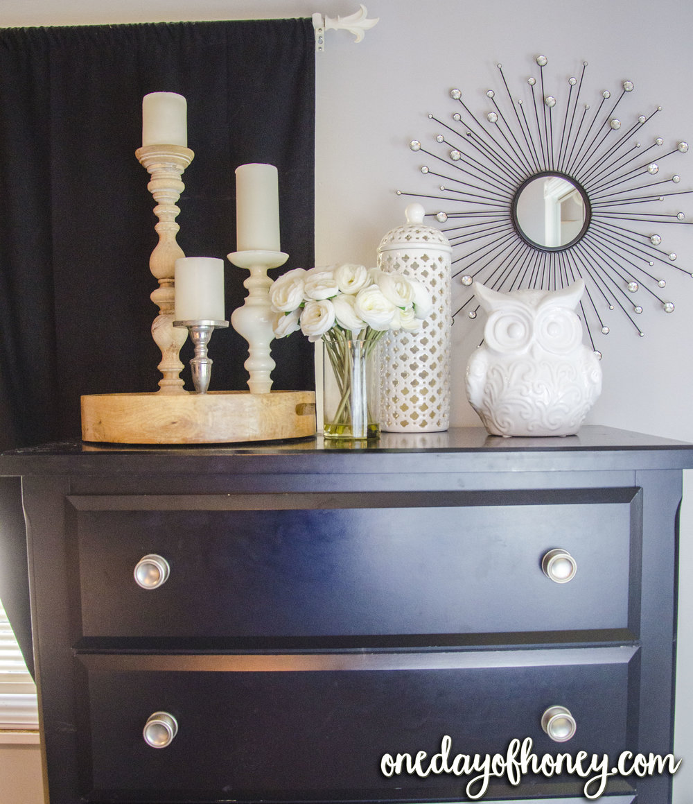Meet Cassandra! She has a natural gift of interior decoration, and is a master of home decor. Check out our fall home tour with Cassandra, as well as a look at her business, Smore Kids Company! Click here:http://bit.ly/cassandrahomedecor
