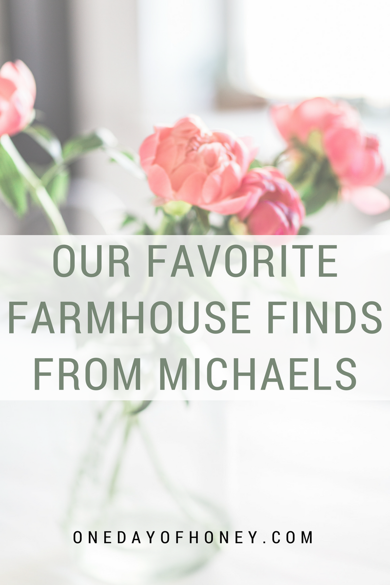 Looking for your next farmhouse decor piece?  We compiled our favorite farmhouse finds from Michaels!  Check it out! >>> http://bit.ly/farmhousefindsmichaels