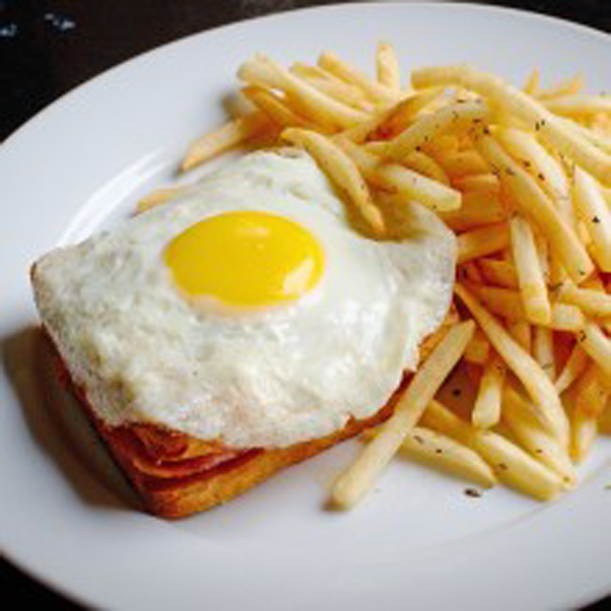 croque-madame_same_as_above_but_with_an_egg_sunny_side_up_13.50
