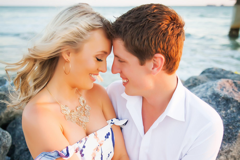 beach, engagement session, romance, chunky necklace, rocks, cliff, ocean, wedding photography, limelight photography