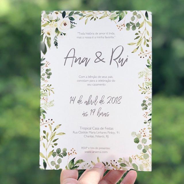 Muito verde no convite do casamento da Ana e do Rui.🌾💚 . . . . #duoamor #convites #convitesdecasamento #identidadevisual #casamento #diy #handmade #convitepersonalizado #greenery