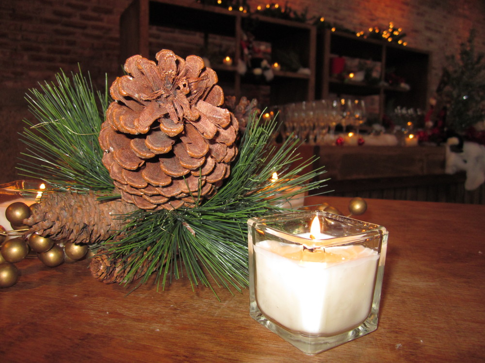 G1028.Pinecone.Centerpiece.jpg