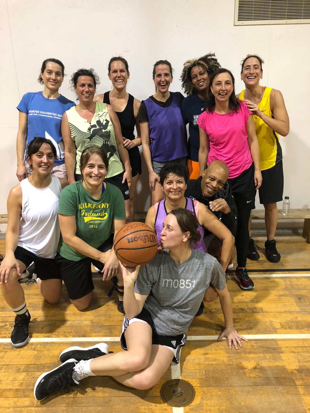 Ladies basketball team in Montreal