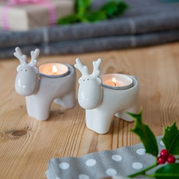 normal_taupe-or-white-reindeer-tea-light-holder
