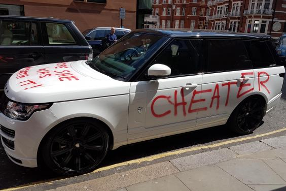 Range Rover PR Stunt. * Photo from The Standard.