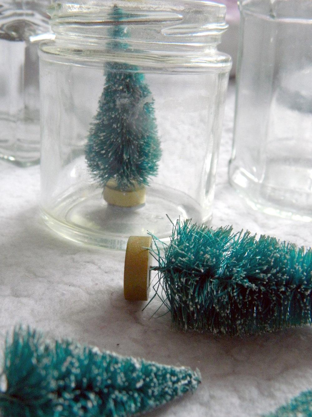 Pinterest Inspired DIY; Christmas Scene Jam Jar Decorations.