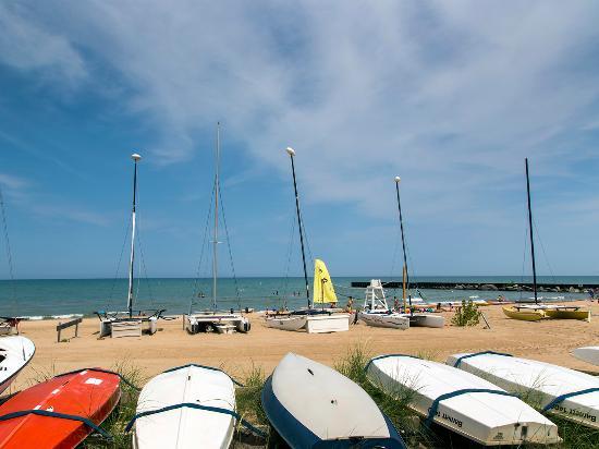 Evanston Dempster St. Boat Beach