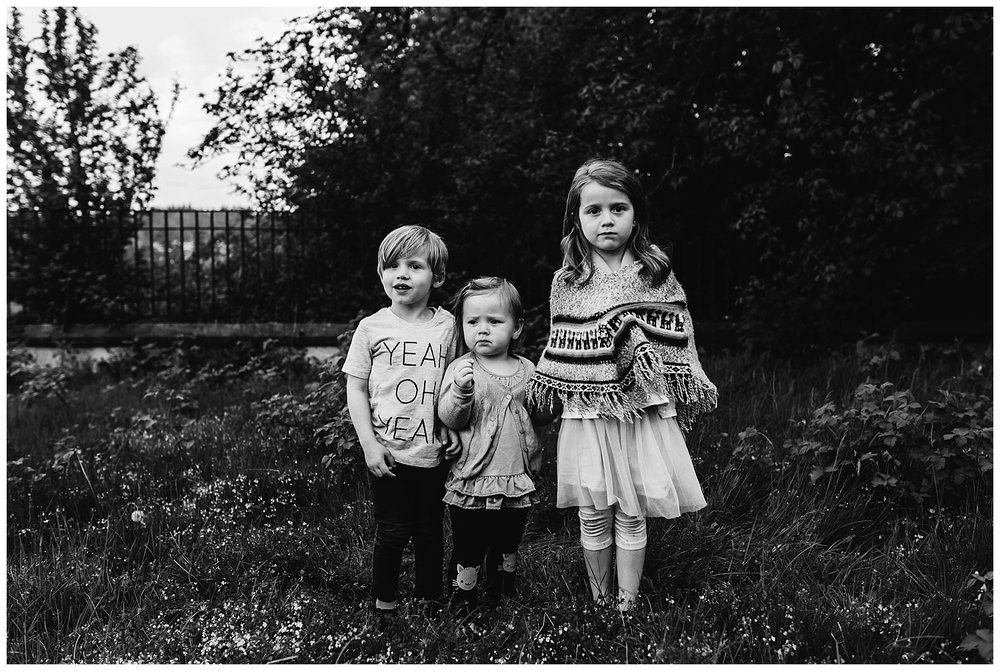 kids family photography b&w.jpg