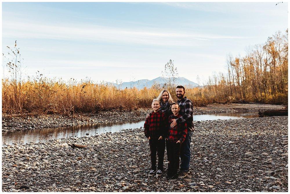 Vedder River Chilliwack Family Photography_22.jpg