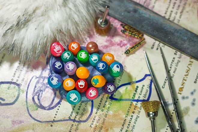 Jelly Doux - mẫu tai nghe nhiều màu sắc sắp ra mắt của Hùng và nhóm Joinhandmade