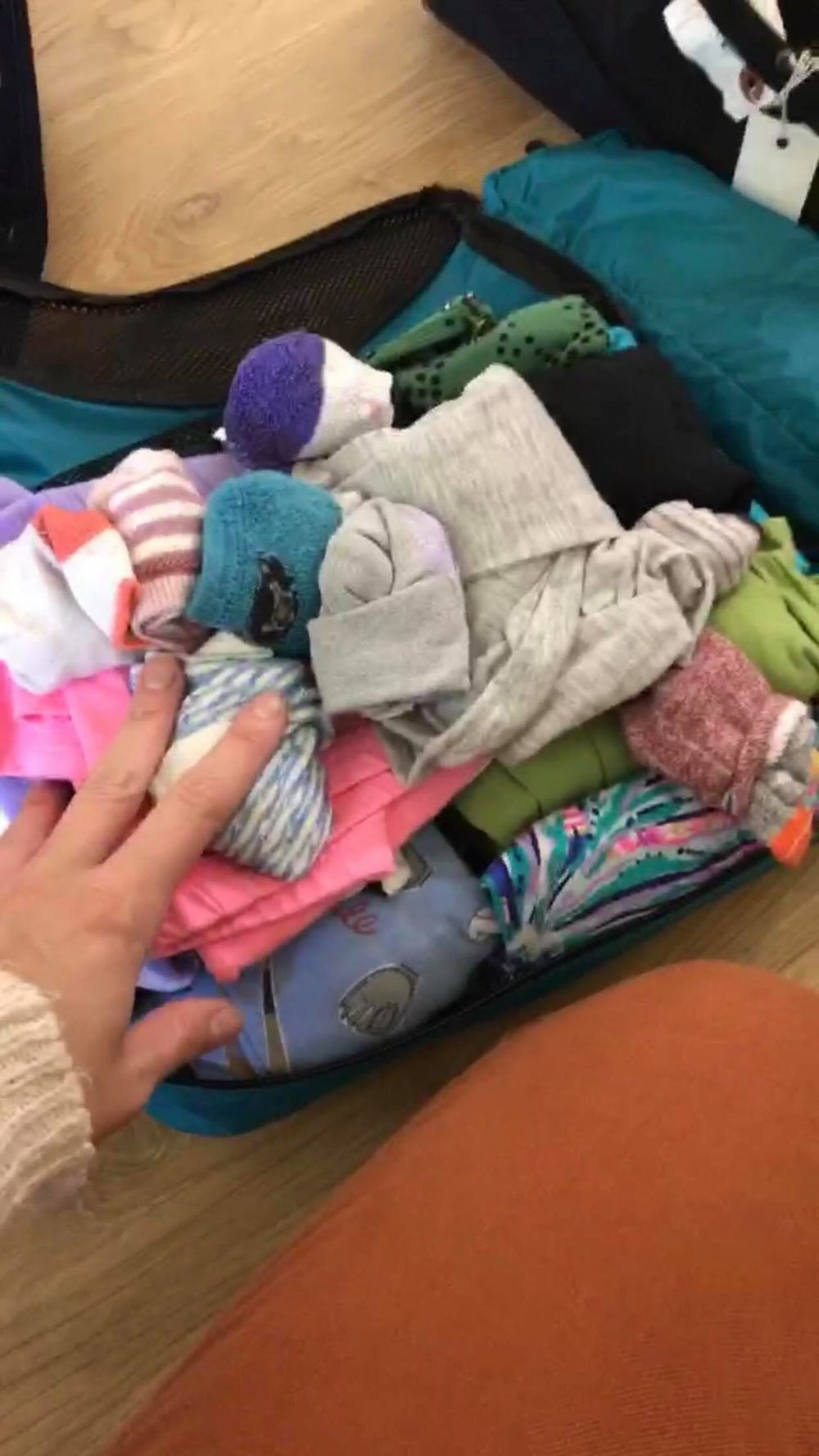 all the kids clothes in ONE medium cube for 3 weeks in europe