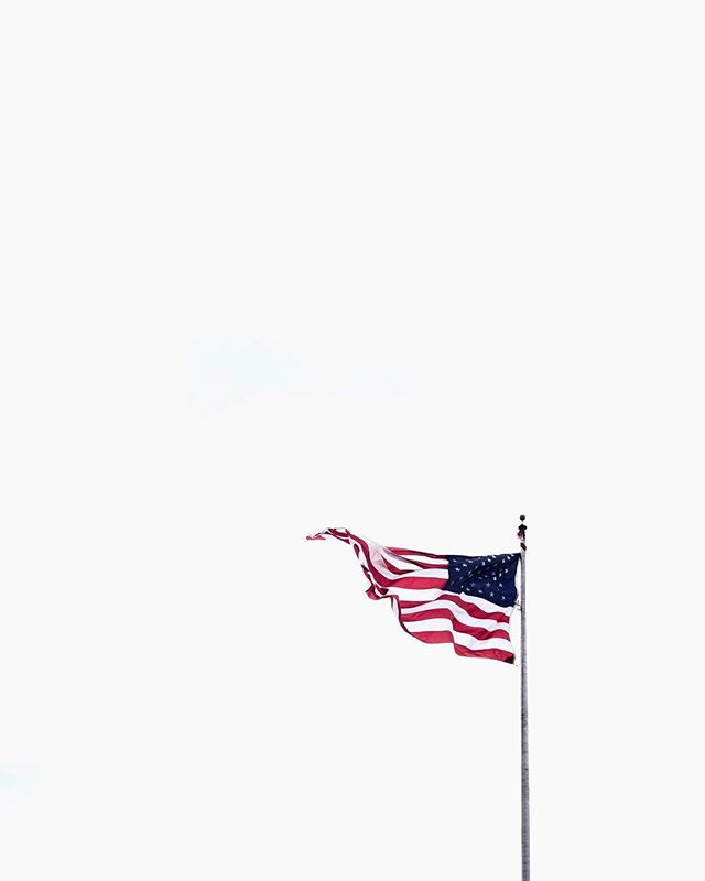 The flag @thearmoryshow  #shotoniphone . . . . . . #NYmustsee #thearmouryshow #america #usa #flag #symbol #minimalism #simple #exposure #photo #photos #pic #pics #picture #photographer #pictures #snapshot #art #artgallery #exhibition