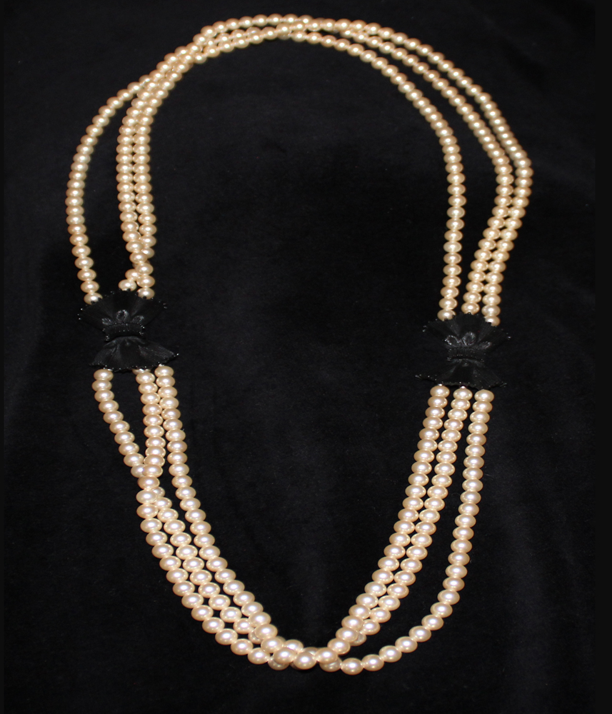 PEARL BOW NECKLACE-1972
