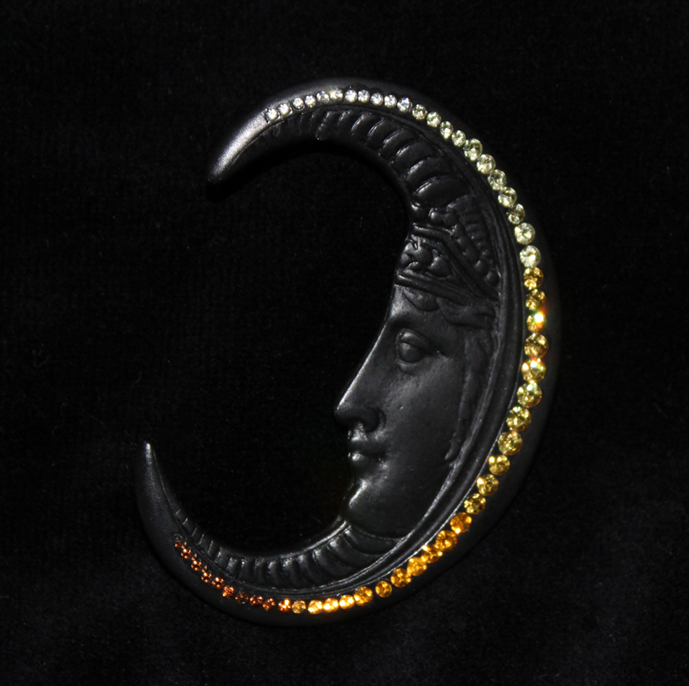 CRESCENT MOON PIN BLACK-1971