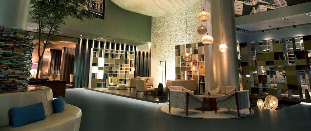 lobby-noche-1920x810_0_470_10000.jpg