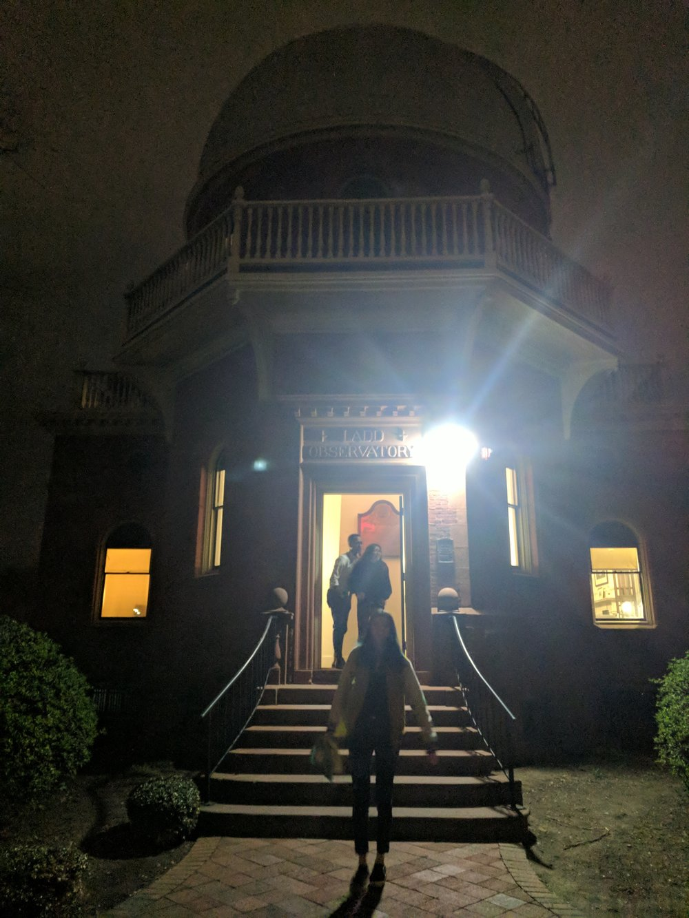 Here's an extraordinarily blurry picture of me in front of the observatory as proof of my visit haha