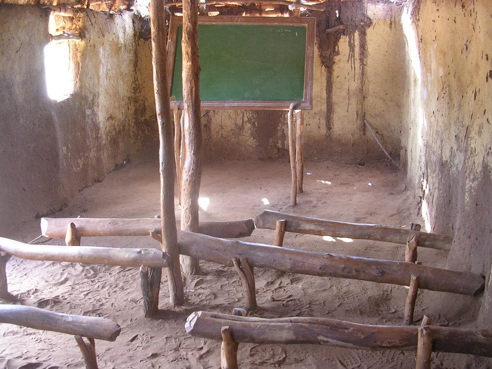 Inside the school in Nanguene before resettlement