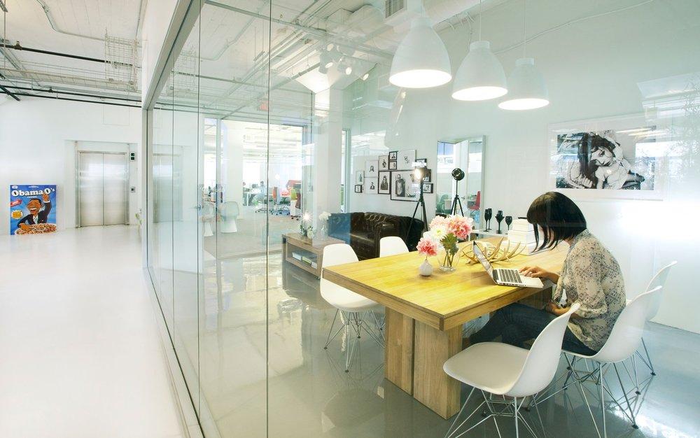 airbnb-office-kLusW8z2xZ-full-width.jpg