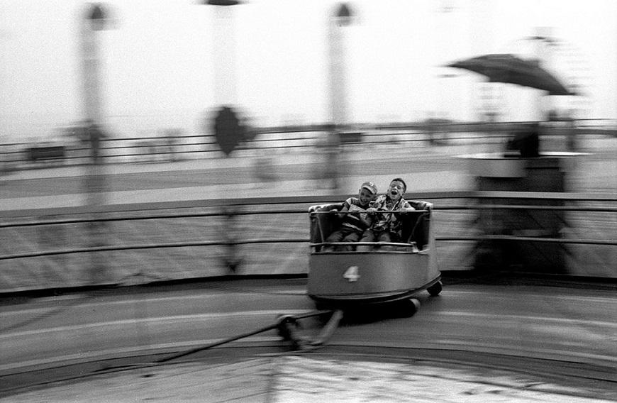 The Whip, Coney Island,1950 (Harold Feinstein)