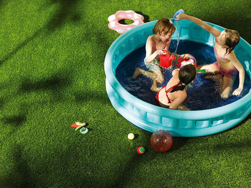 artificial-grass-swimming-pool.jpg