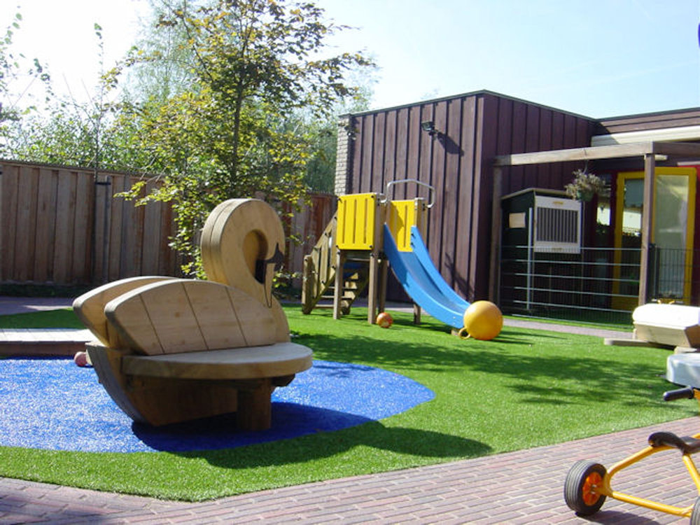 artificial-grass-daycare-royal-grass-premium-synthetic-grass