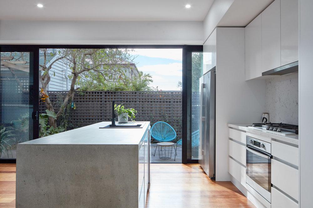 Kitchen-4b.jpg