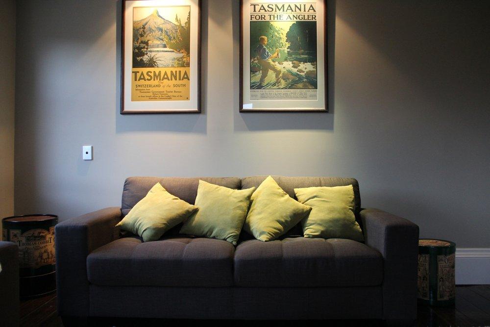 Lounge sofa 1.JPG