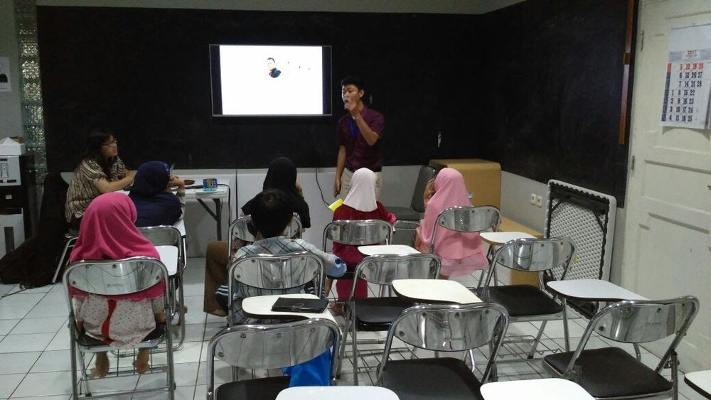 Trial Class SMC di Studio Warna Serbarupa. Untuk informasi Trial Class Contact Bu Rahma di 0812 5384 5984