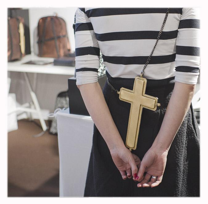 sac croix dorées