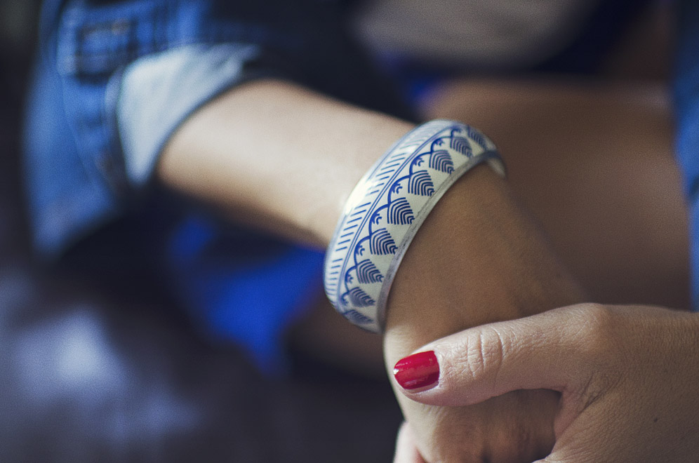 bracelet motifs bleu et blanc