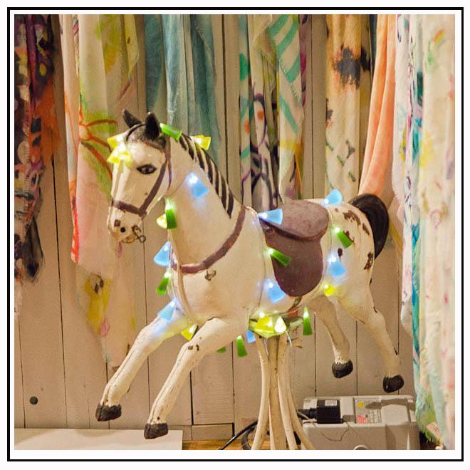 Décoration cheval en bois