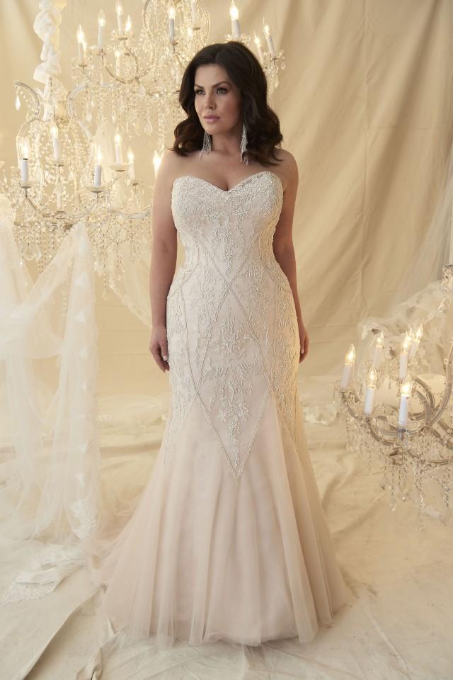 8ead3873ad7 Calling all Curvy Brides... — Melle Cloche Bridal Shops Glasgow
