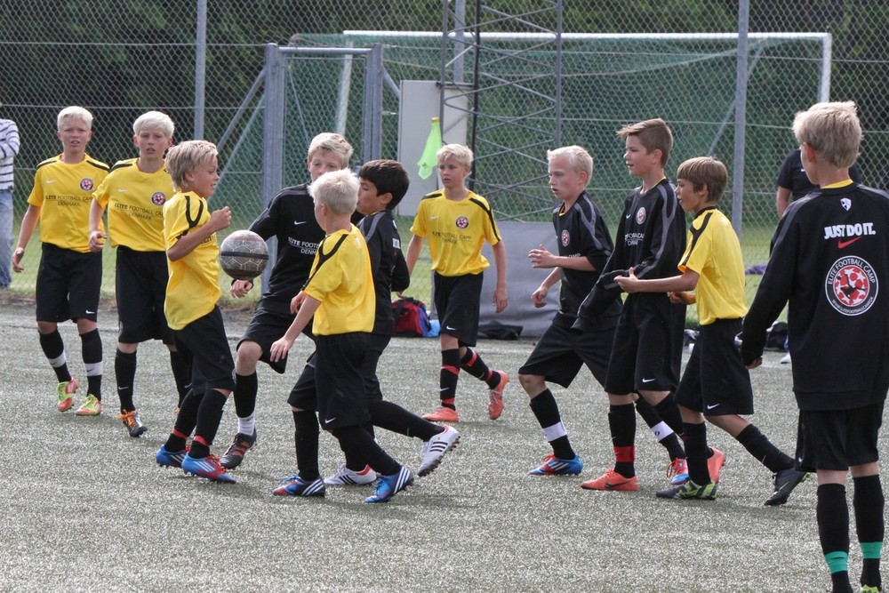 Elite Football Camp 2012 S17.jpg