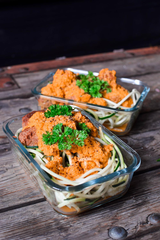 Vegobullar med rostad paprikasås och zucchininudlar 1