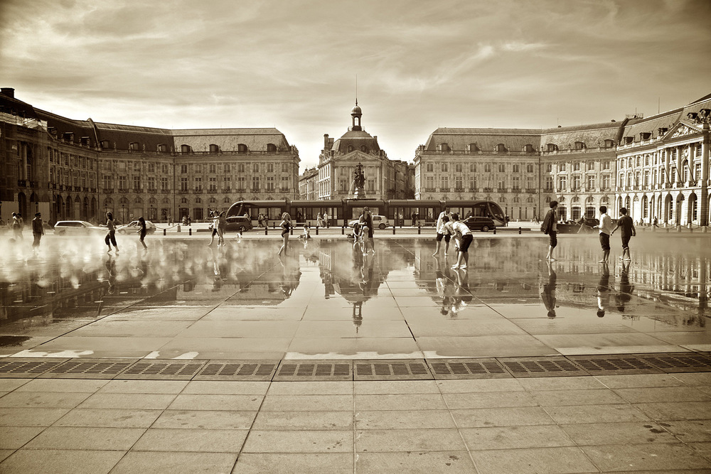 Bordeaux-black-and-whit.jpg