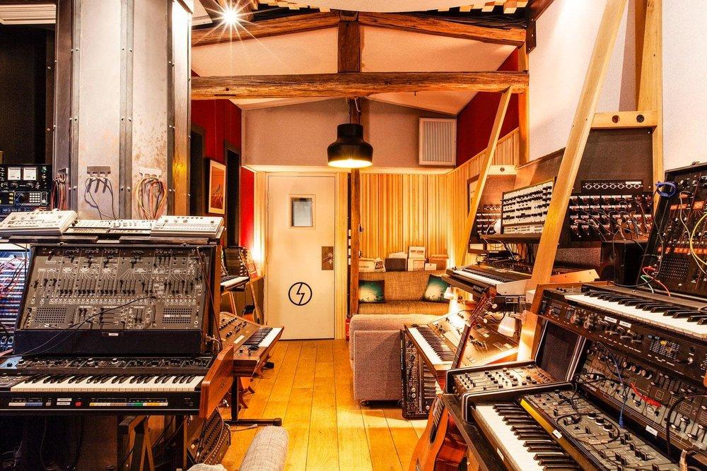 RED HOUSE_Shelter studio 4.jpg
