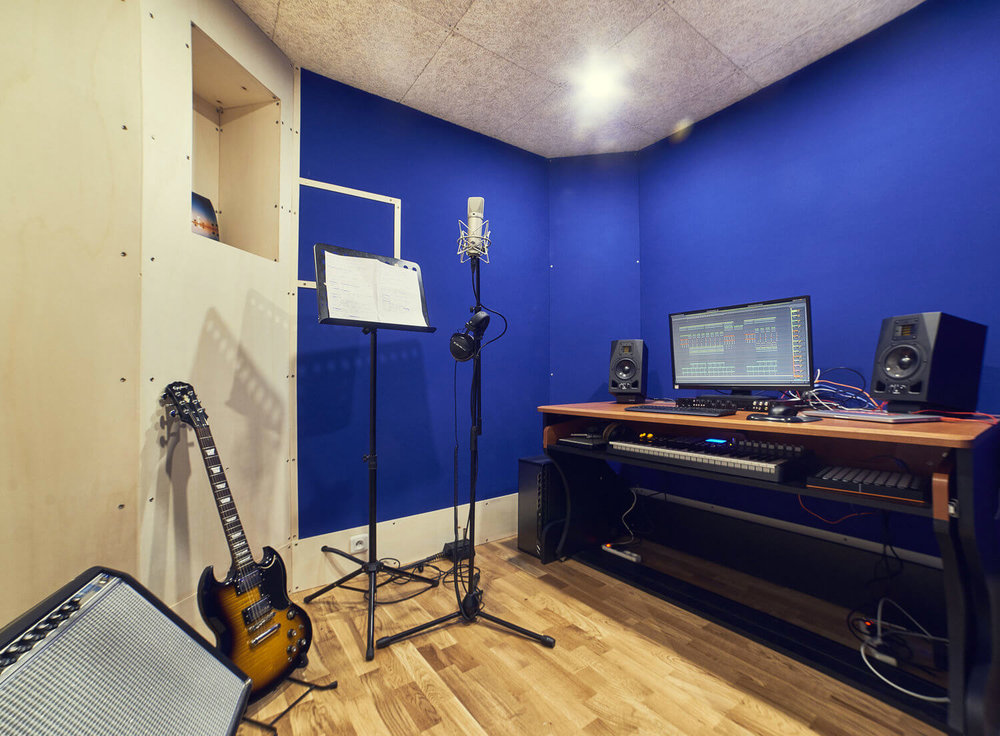 RED HOUSE_Le château studio 3.jpg
