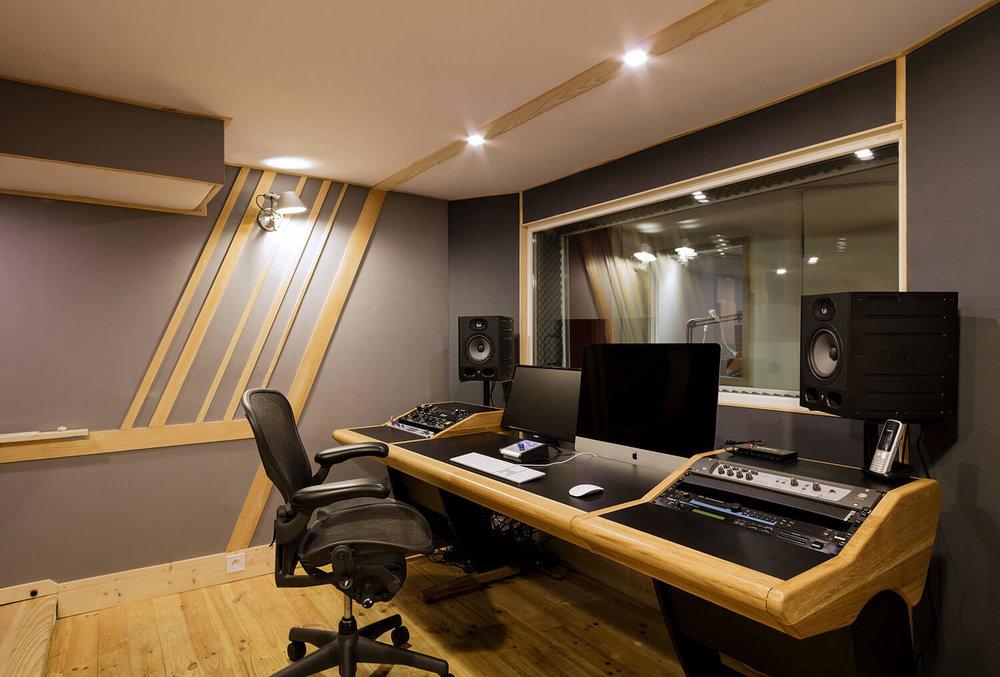 RED HOUSE_Mirage studio 1.jpg