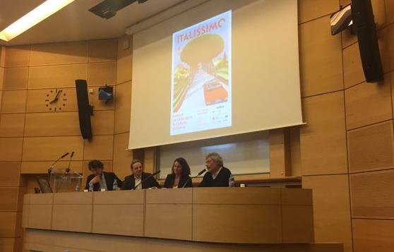 Invité d'honneur,Alessandro Baricco a inauguré le festival à Sciences Po par un échange de grande qualité avec Aurélie Filippetti, ancienne ministre de la Culture et de la Communication.