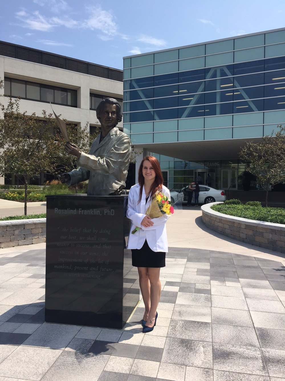 Alyssa Smith with the Rosalind Franklin Statue on the Rosalind Franklin campus