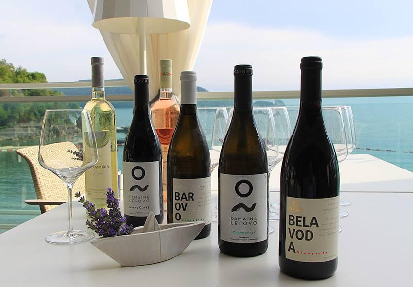 Dukley_Hotel&Resort_Wine&Dine.jpg