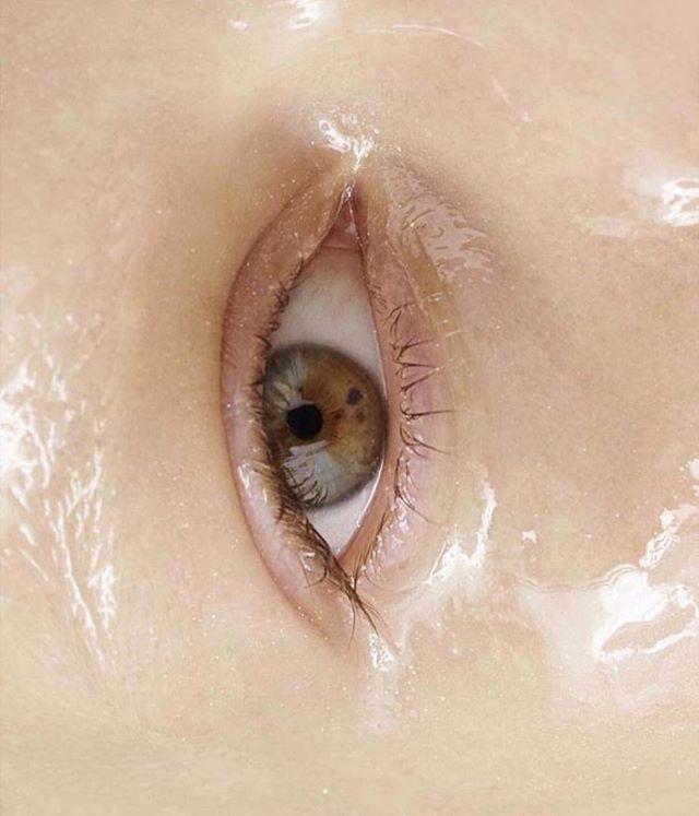 Look me in the eyes baby 💫