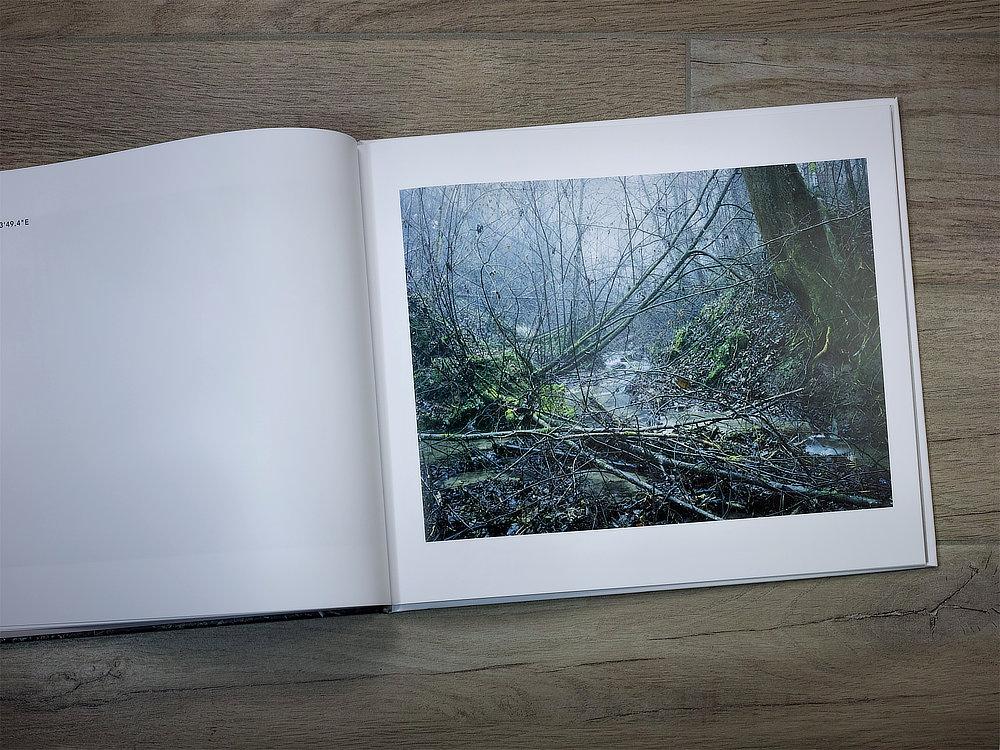 IntoThePlace_BookShot_SRGB8Bit1000px_08.jpg