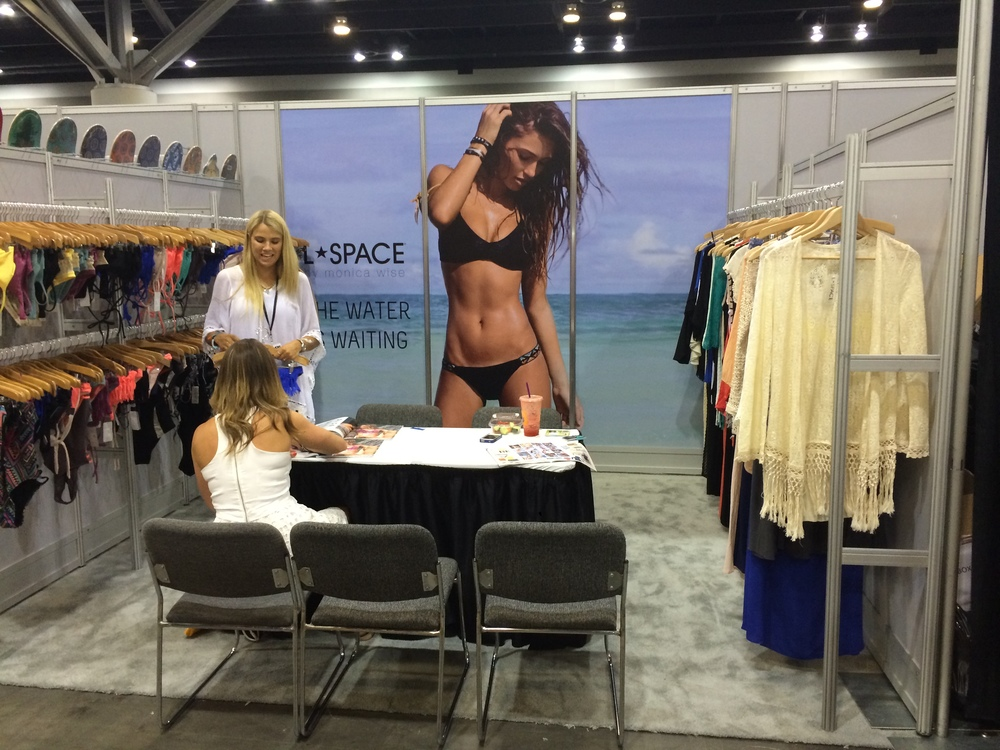 L space Booth