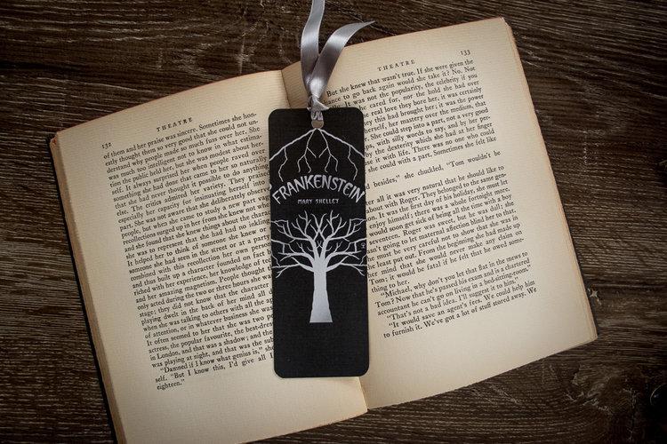 Petites boutiques en ligne de papeterie Frankenstein+bookmark+front