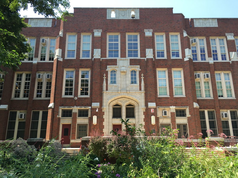 Amudsen - Amundsen is a Level 1 High School that offers Honors, AP, and Dual-Credit classes beginning Freshman Year.   International Baccalaureate programs, like Amundsen's, encourage independent thinking and global mindedness. Graduates of IB Diploma Programs have higher college acceptance rates than other applicants.