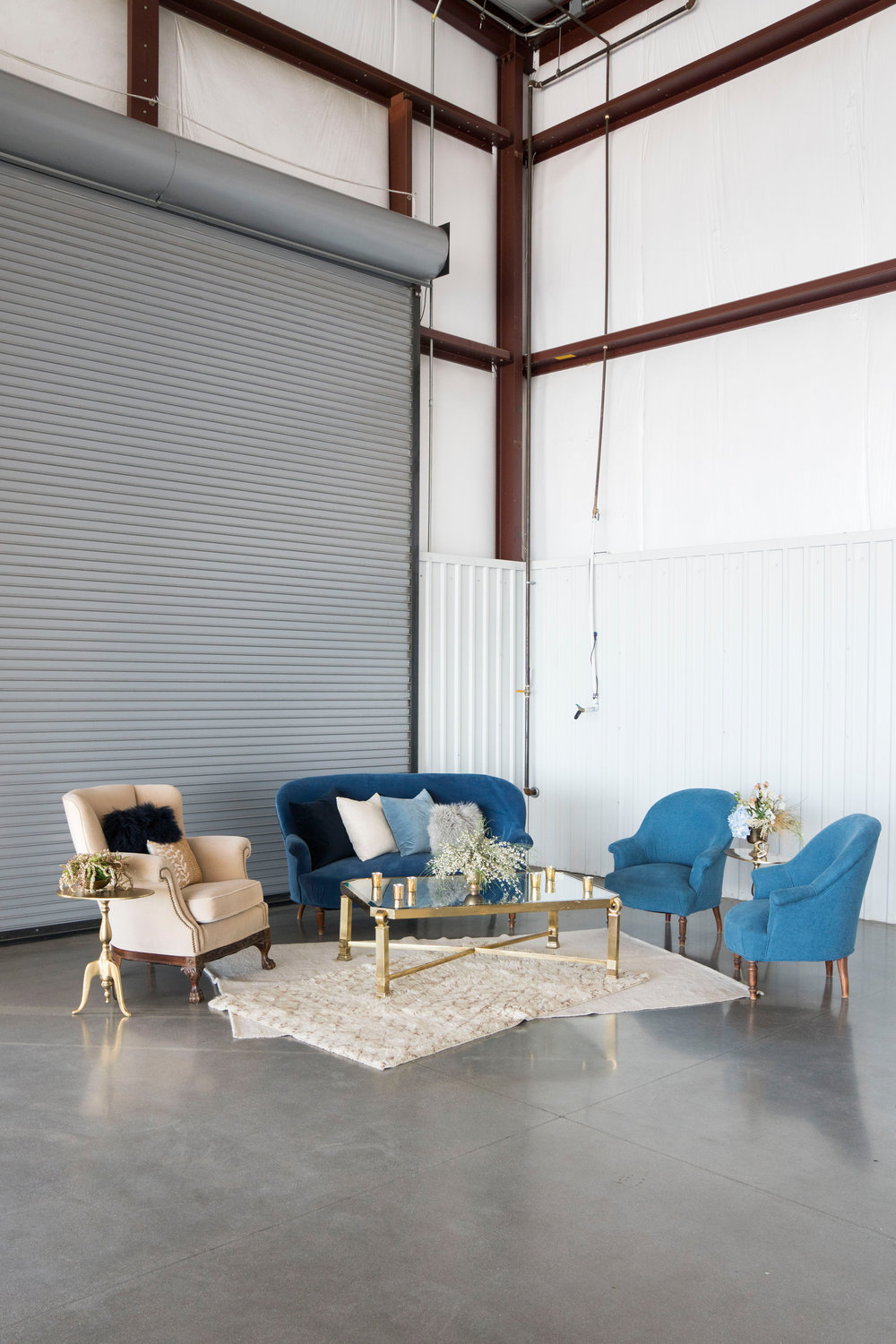 hangar 21 wedding lounge.jpg