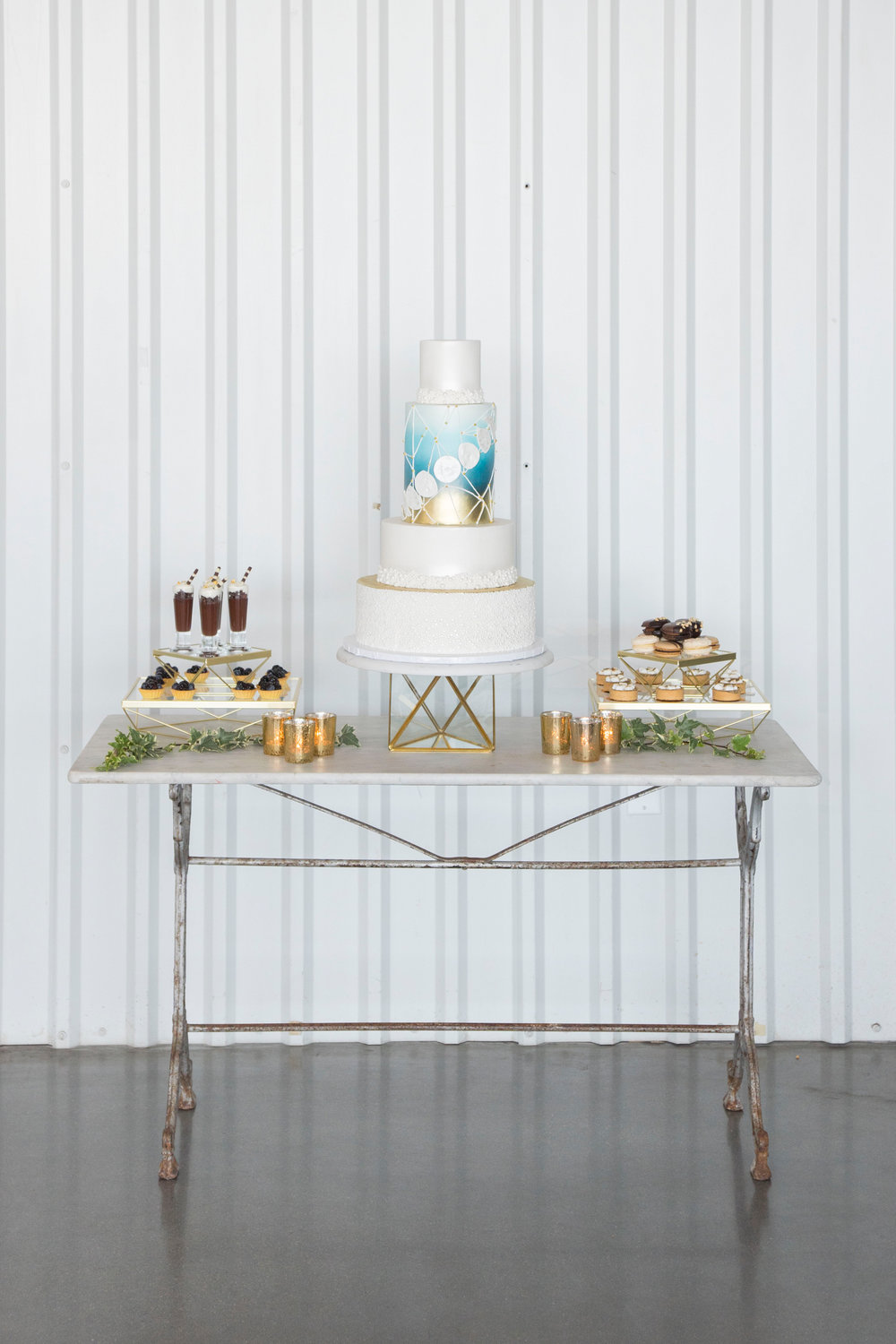 modern moon wedding desserts.jpg