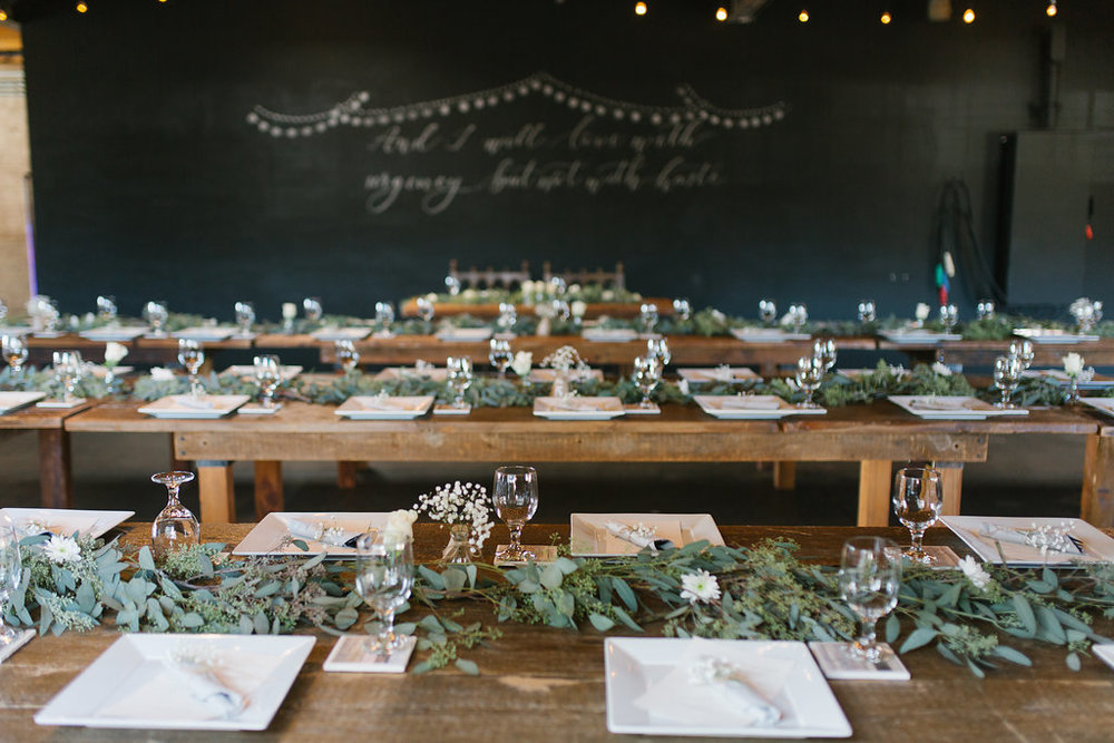 garland table runnders smokyhollow studios wedding.jpg