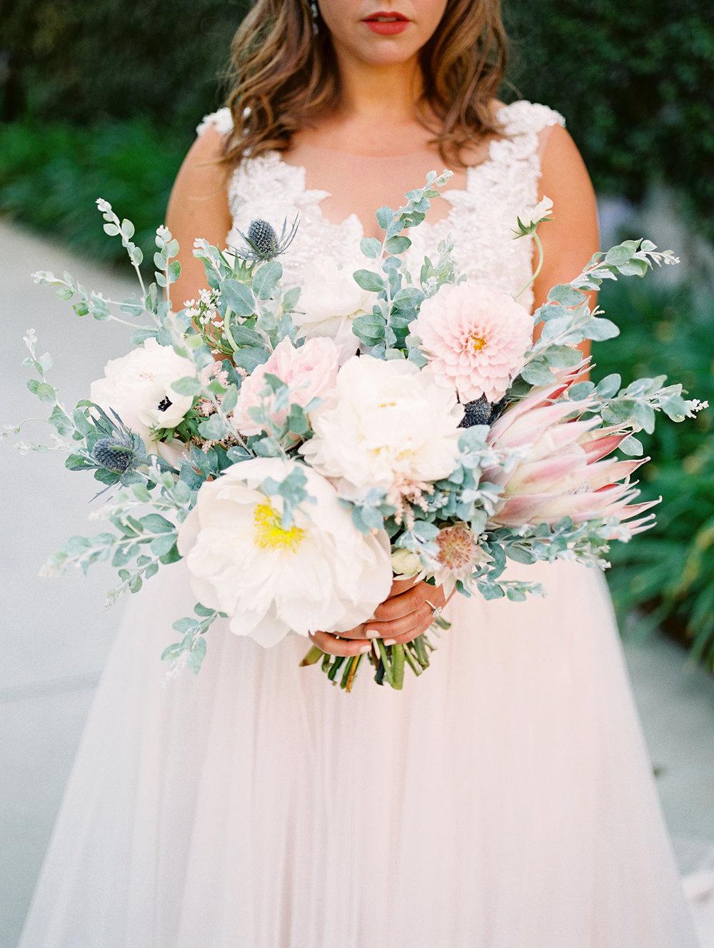 white peony bouquet.jpg